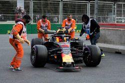 El coche dañado de Daniel Ricciardo, Red Bull Racing