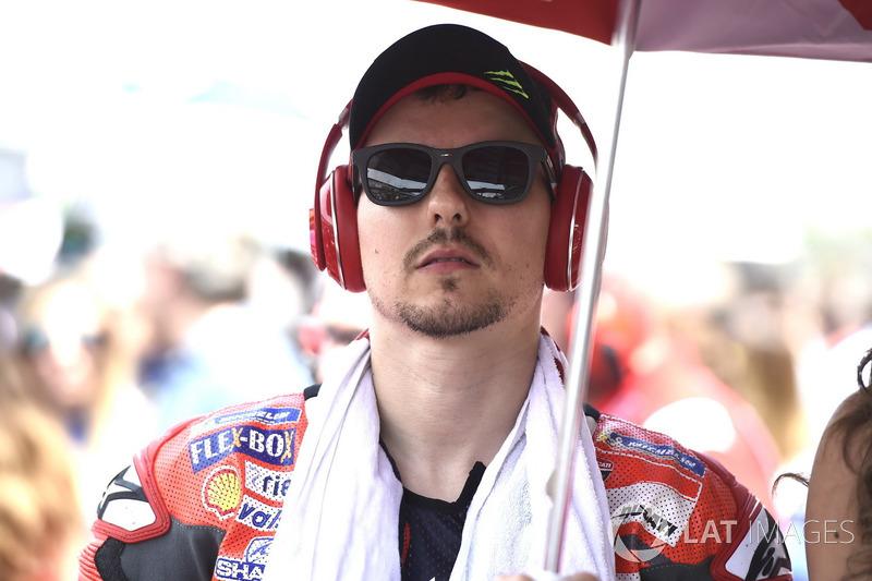 """""""Eu não fiz uma largada muito boa e Márquez e Iannone me passaram, então precisei me manter calmo e não cometer nenhum erro."""""""