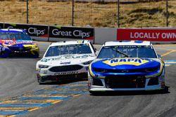 Chase Elliott, Hendrick Motorsports, Chevrolet Camaro NAPA Auto Parts, Clint Bowyer, Stewart-Haas Racing, Chevrolet Camaro One Cure