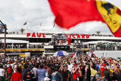 Ron Meadows, Sporting Director, Mercedes AMG, Max Verstappen, Red Bull Racing, Lewis Hamilton, Mercedes AMG F1, Kimi Raikkonen, Ferrari op het podium