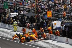 Zach Veach, Andretti Autosport Honda, pitstop