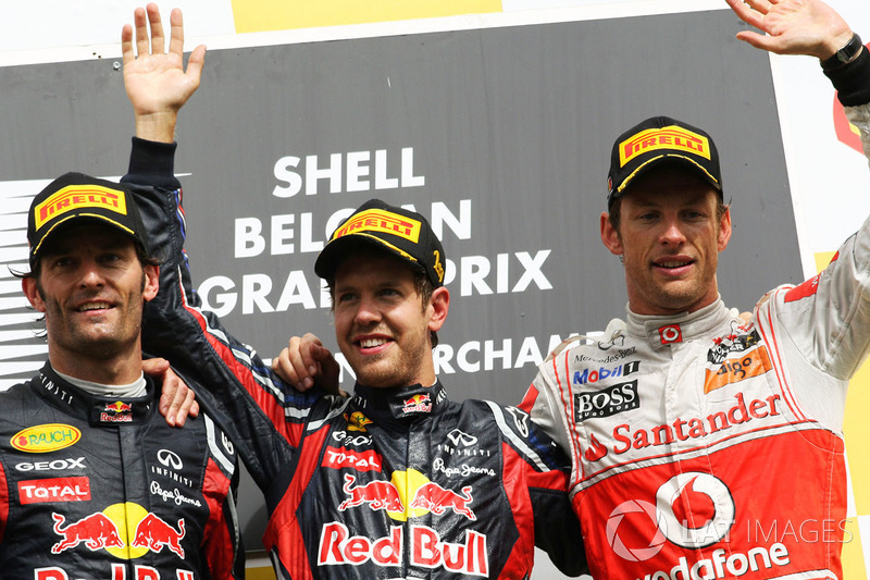 Podium : le vainqueur Sebastian Vettel, Red Bull Racing, le second Mark Webber, Red Bull Racing, le troisième Jenson Button, McLaren