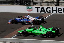 Стефан Уилсон, Andretti Autosport Honda, и Даника Патрик, Ed Carpenter Racing Chevrolet