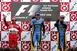 Podio: Felipe Massa, Ferrari, Fernando Alonso, Renault e Giancarlo Fisichella, Renault