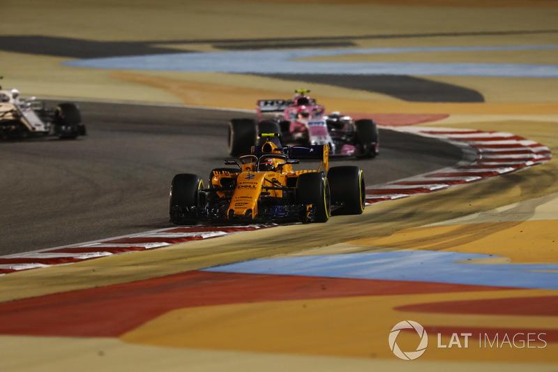 Stoffel Vandoorne, McLaren MCL33 Renault, Esteban Ocon, Force India VJM11 Mercedes, e Marcus Ericsson, Sauber C37 Ferrari