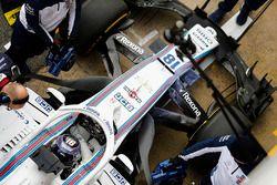 Lance Stroll, Williams FW41, en pits