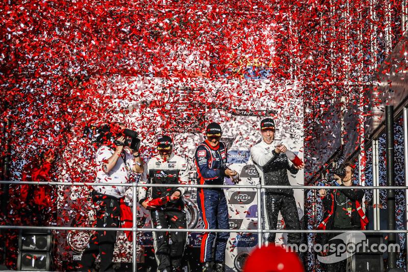 Podio: il vincitore della gara Gabriele Tarquini, BRC Racing Team Hyundai i30 N TCR, il secondo classificato Yvan Muller, YMR Hyundai i30 N TCR, il terzo classificato Thed Björk, YMR Hyundai i30 N TCR