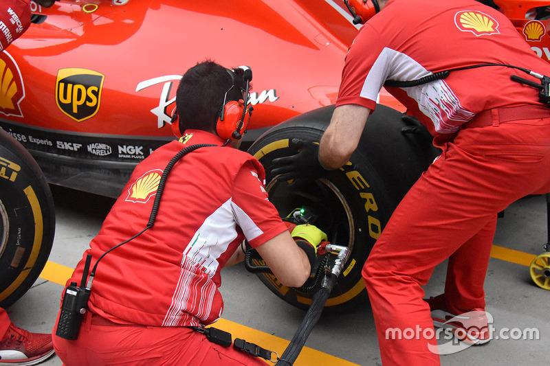 Ferrari práctica pitstops