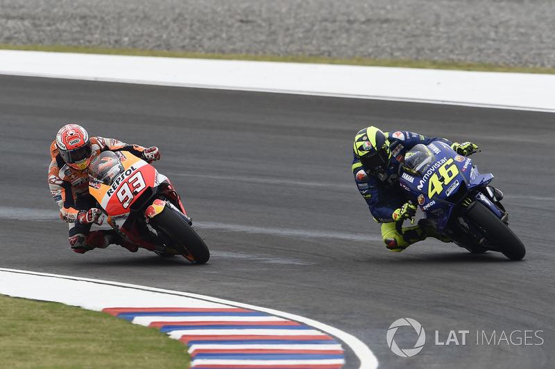 La carrera de Argentina de 2018 volvió a ofrecer un nuevo duelo en pista entre Márquez y Rossi
