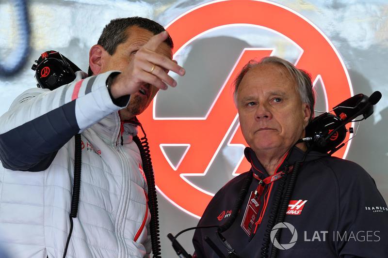 Guenther Steiner, directeur de Haas F1 et Gene Haas, fondateur, Haas F1 Team