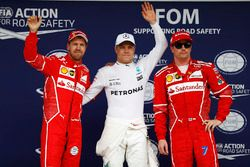Polesitter Valtteri Bottas, Mercedes AMG F1, tweede Sebastian Vettel, Ferrari, derde Kimi Raikkonen,
