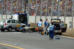Fernando Alonso, Renault F1 Team en una camilla
