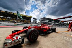 Kimi Raikkonen, Ferrari SF70H, prova un pit stop