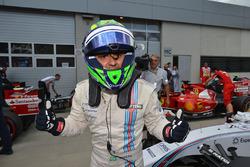 Le poleman Felipe Massa, Williams dans le parc fermé