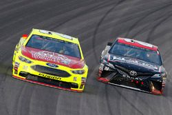Paul Menard, Wood Brothers Racing, Ford Fusion Menards / Atlas ed Erik Jones, Joe Gibbs Racing, Toyota Camry Reser's