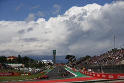 Kimi Raikkonen, Ferrari SF71H, Max Verstappen, Red Bull Racing RB14, Daniel Ricciardo, Red Bull Racing RB14