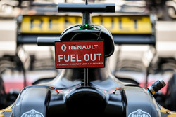 Fuel Out sign of Nico Hulkenberg, Renault Sport F1 Team RS17