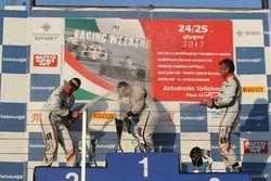 Podio Gara 1: il vincitore Matteo Zucchi, Seat Motor Sport Italia, il secondo classificato Giovanni