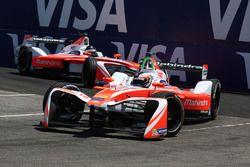 Felix Rosenqvist, Mahindra Racing, devant Nick Heidfeld, Mahindra Racing