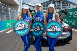 Lovely fan boost girls
