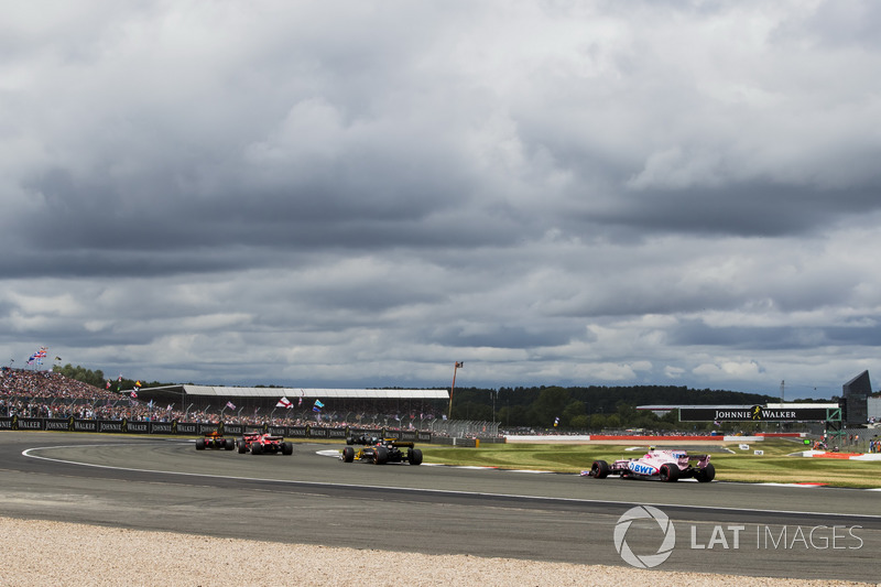 Ніко Хюлькенберг, Renault Sport F1 Team RS17, Естебан Окон, Sahara Force India F1 VJM10