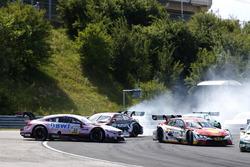 Авария: Лукас Ауэр, Mercedes-AMG Team HWA, Mercedes-AMG C63 DTM, Нико Мюллер, Audi Sport Team Abt Sportsline, Audi RS5 DTM, Аугусту Фарфус, BMW Team RMG, BMW M4 DTM