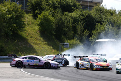 Crash, Lucas Auer, Mercedes-AMG Team HWA, Mercedes-AMG C63 DTM, Nico Müller, Audi Sport Team Abt Spo