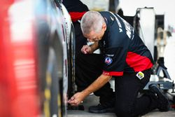 John Hunter Nemechek, SWM-NEMCO Motorsports Chevrolet crew chief Gere Kennon