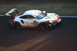 #92 Porsche GT Team Porsche 911 RSR: Michael Christensen, Kevin Estre, Dirk Werner choque