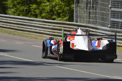 #39 Graff Racing Oreca 07 Gibson: Enzo Guibbert, Eric Trouillet, James Winslow with a puncture