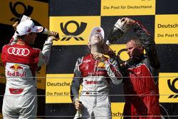 Подиум: Маттиас Экстрём, Audi Sport Team Abt Sportsline, и Рене Раст, Audi Sport Team Rosberg