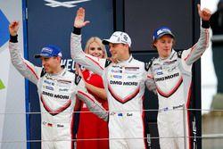 2. #2 Porsche Team, Porsche 919 Hybrid: Timo Bernhard, Earl Bamber, Brendon Hartley