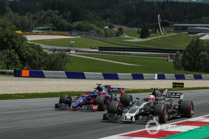 Кевін Магнуссен, Haas F1 Team VF-17, Карлос Сайнс-молодший, Scuderia Toro Rosso STR12, боротьба за п