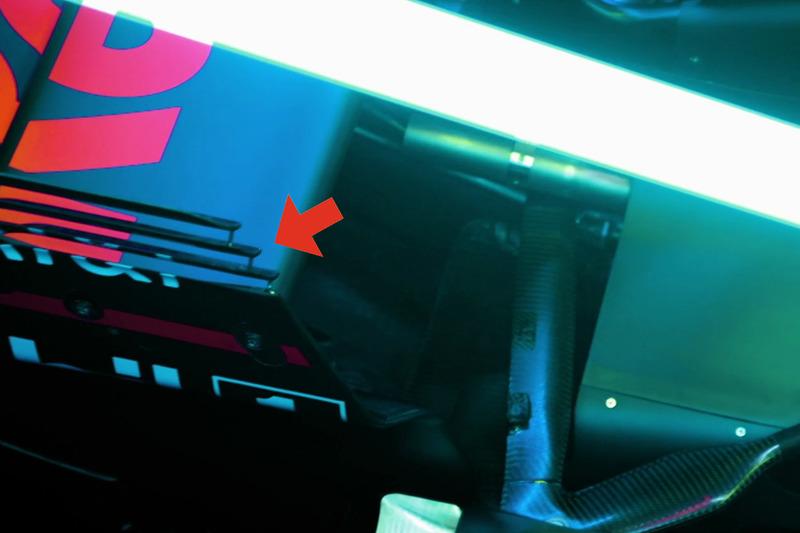 Détails de l'aileron arrière de la Red Bull Racing RB13