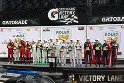 Podium: ganadores, Ricky Taylor, Jordan Taylor, Max Angelelli, Jeff Gordon, Wayne Taylor Racing, Pri