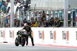 Johann Zarco, Monster Yamaha Tech 3 pousse sa moto jusqu'à la ligne