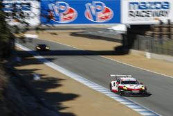 #911 Porsche Team North America Porsche 911 RSR: Patrick Pilet, Dirk Werner