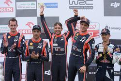 Podium: winners Thierry Neuville, Nicolas Gilsoul, Hyundai Motorsport, second place Hayden Paddon, Sebastian Marshall, Hyundai Motorsport