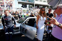 Mariah Carey en el Safety Car