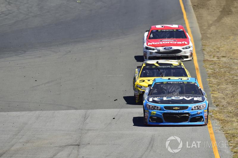 Michael McDowell, Leavine Family Racing Chevrolet, Daniel Suárez, Joe Gibbs Racing Toyota, Ryan Blaney, Wood Brothers Racing Ford
