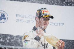 Il vincitore della gara Sergio Sette Camara, MP Motorsport