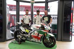Lucio Cecchinello, responsable del equipo Team LCR Honda , Cal Crutchlow, Team LCR Honda, Aaron Slig