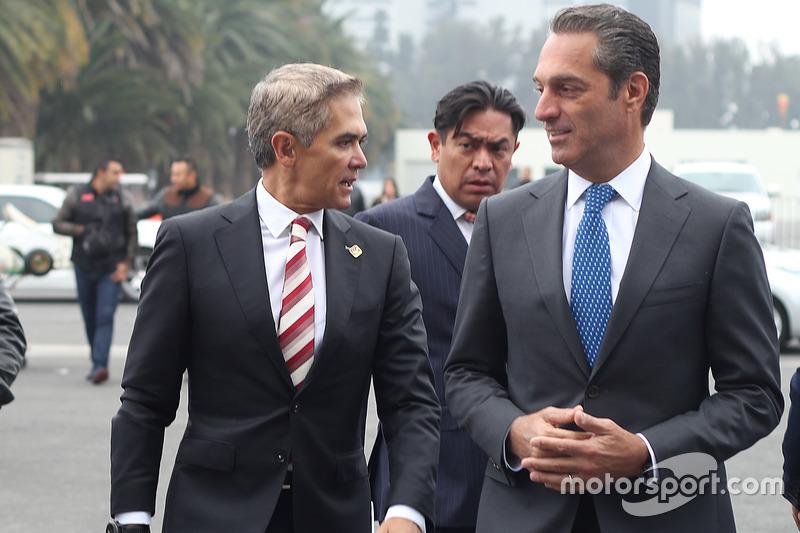 Miguel Angel Mancera y Carlos Slim Domit