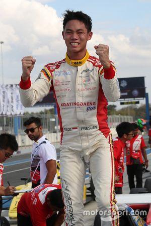 Pemenang Race 5, Presley Martono (INA)