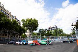 Antonio Felix da Costa, Amlin Andretti Formula E Team. leads Lucas di Grassi, ABT Schaeffler Audi Sp
