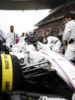 Lance Stroll, Williams, settles in to his seat on the grid