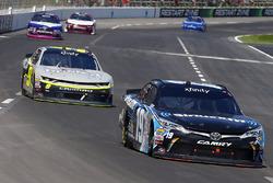 Matt Tifft, Joe Gibbs Racing Toyota and William Byron, JR Motorsports Chevrolet