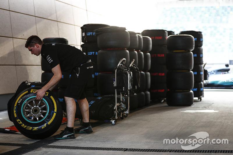 Шини Pirelli, Mercedes