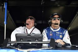 Гонщик Chip Ganassi Racing Honda Тони Канаан и Чип Ганасси