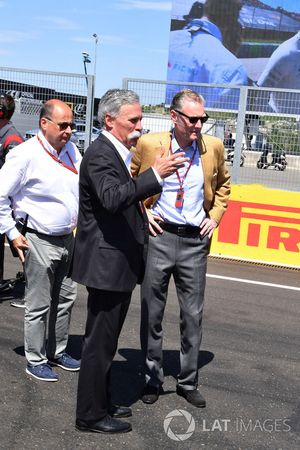 Chase Carey, Director Ejecutivo y Presidente Ejecutivo de la Formula One Group, Luca Colajanni, Form